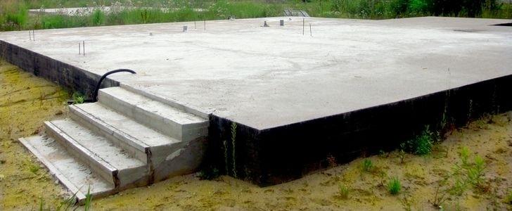 Особенности монолитной плиты-фундамента