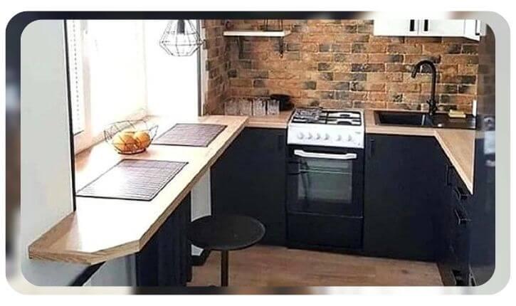 Идея подоконник-столешница для маленькой кухни