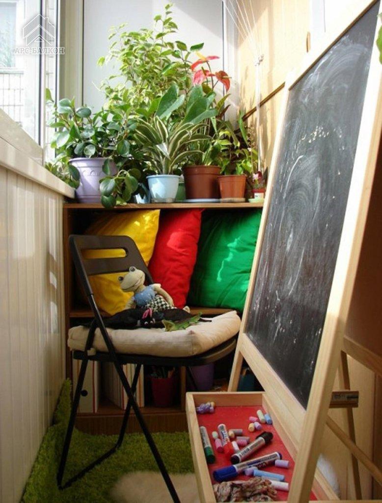 Комната на балконе для подростков