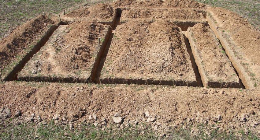 Земляные работы по укладке ленточного фундамента