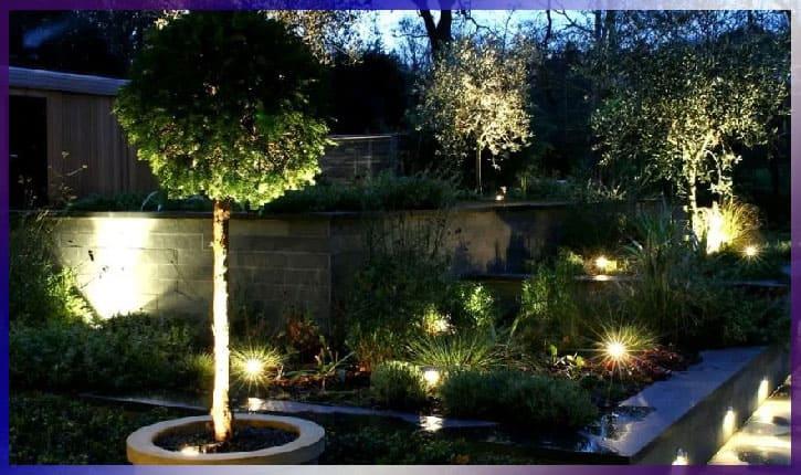 Цепи освещения вокруг сада и дома