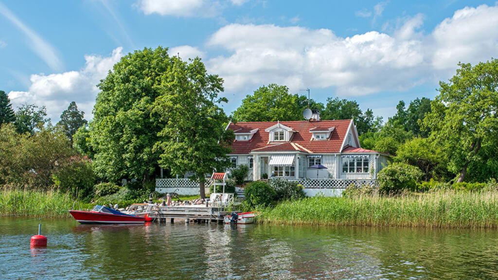 дом на берегу